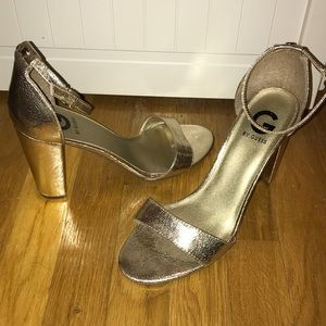 G by guess gold shiny sandal block heel size 10